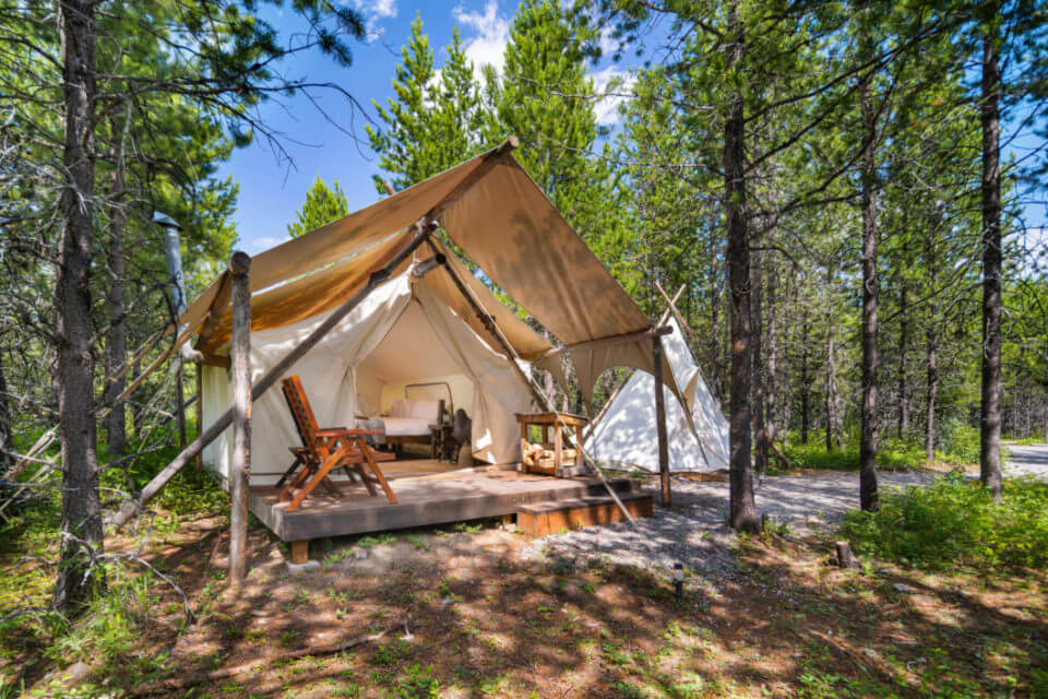 Glamping in Montana - Under Canvas